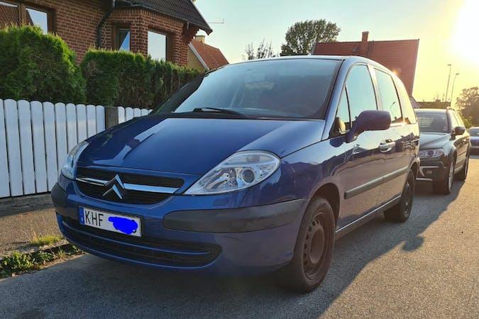 Billig biluthyrning av Citroën C8 med Isofix i närheten av 216 30 Väster.
