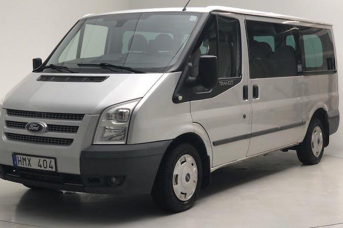 Billig biluthyrning av Ford Transit med Bluetooth i närheten av 165 57 Hässelby-Vällingby.