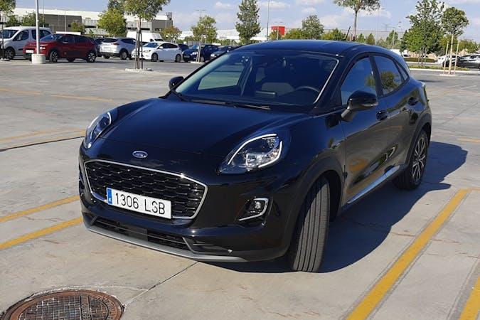 Alquiler barato de Ford Puma con equipamiento GPS cerca de 28027 Madrid.