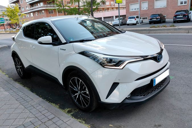 Alquiler barato de Toyota C-HR cerca de 28028 Madrid.