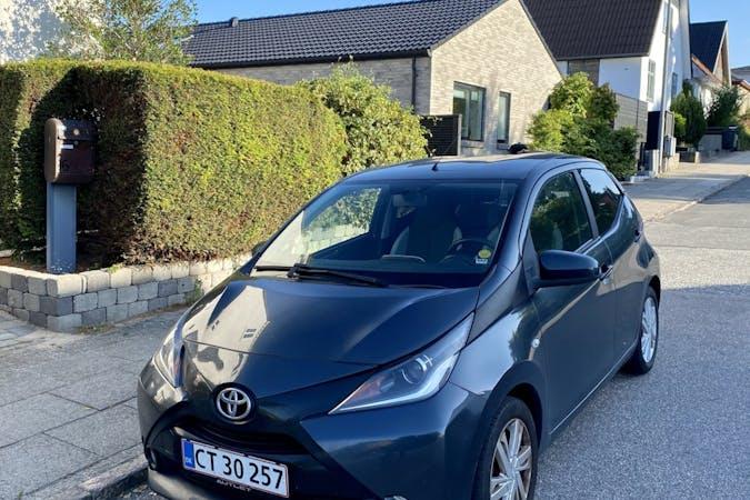 Billig billeje af Toyota AYGO nær 9400 Nørresundby.