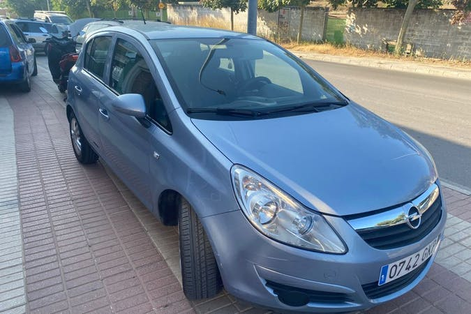 Alquiler barato de Opel Corsa cerca de 29680 Estepona.