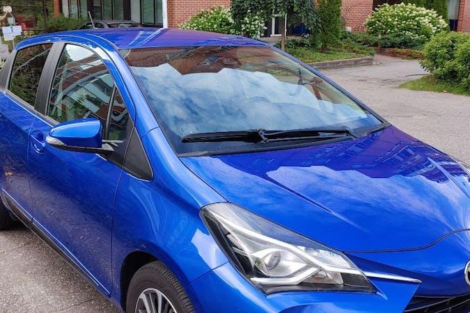 Toyota Yarisn halpa vuokraus GPSn kanssa lähellä 02210 Espoo.