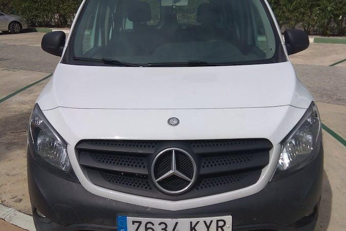 Alquiler barato de Mercedes Citan cerca de 29602 Marbella.