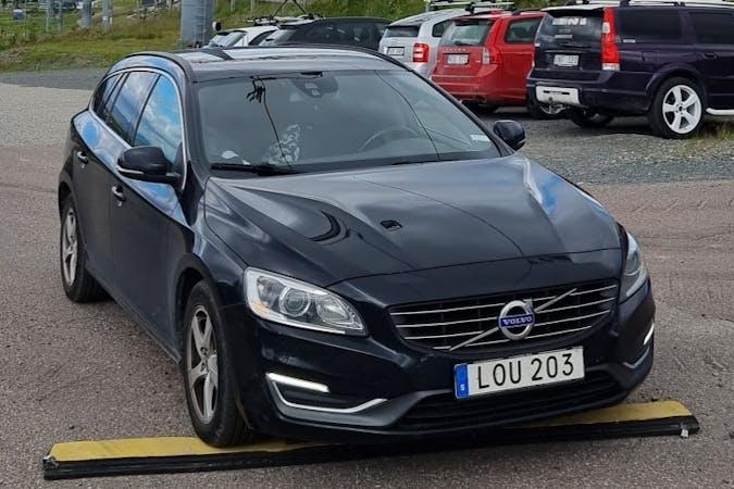 Billig biluthyrning av Volvo V60 med Isofix i närheten av 171 44 Skytteholm.