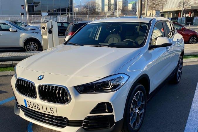 Alquiler barato de BMW X2 con equipamiento GPS cerca de 08031 Barcelona.