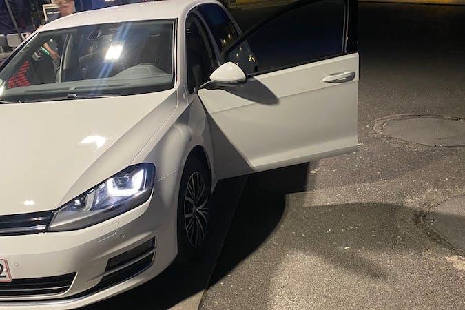 Billig billeje af Volkswagen Golf med GPS nær 5000 Odense.