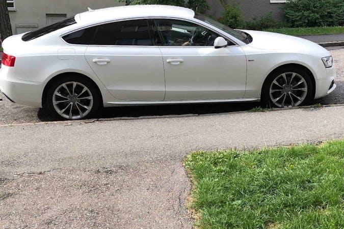 Billig biluthyrning av Audi A5 Sportback med Bluetooth i närheten av 122 44 Farsta distrikt.
