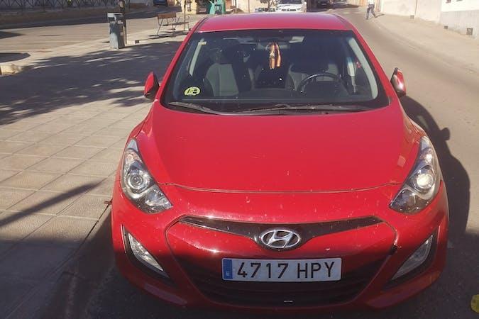 Alquiler barato de Hyundai i30 con equipamiento Aire acondicionado cerca de 45250 Añover de Tajo.