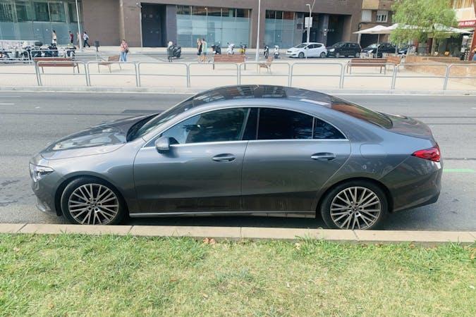 Alquiler barato de Mercedes CLA Coupe con equipamiento GPS cerca de  Barcelona.