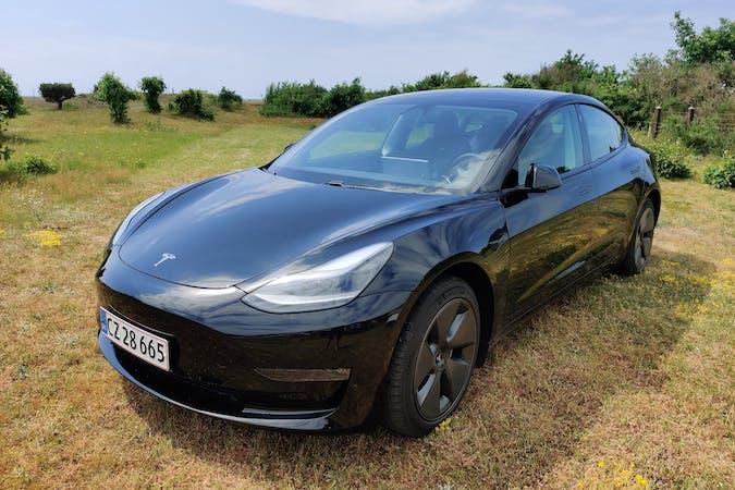 Billig billeje af Tesla Model 3 med GPS nær 2800 Kongens Lyngby.