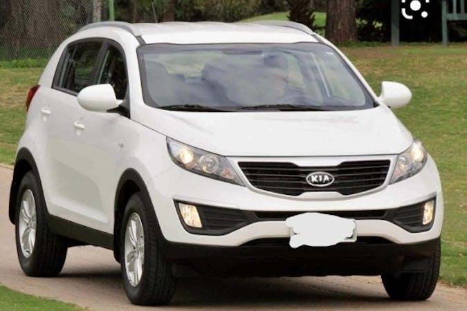 Alquiler barato de Kia Sportage con equipamiento Bluetooth cerca de 07871 Es Pujols.