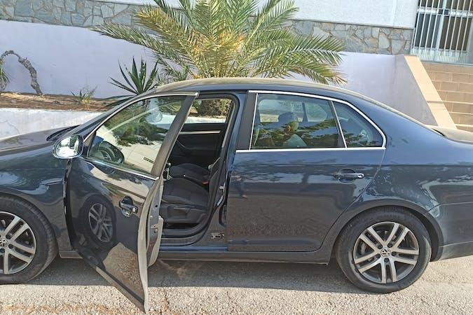 Alquiler barato de Volkswagen Jetta cerca de 30005 Murcia.