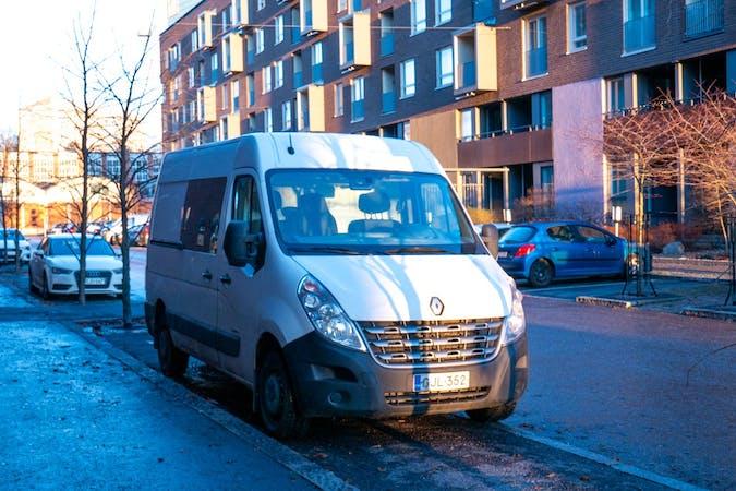 Renault Mastern halpa vuokraus Vetokoukkun kanssa lähellä 00560 Helsinki.