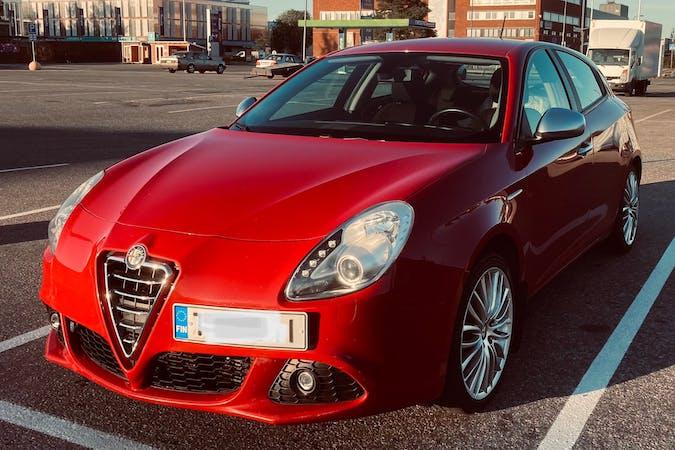 Alfa Romeo Giuliettan halpa vuokraus Isofix-kiinnikkeetn kanssa lähellä 33100 Tampere.
