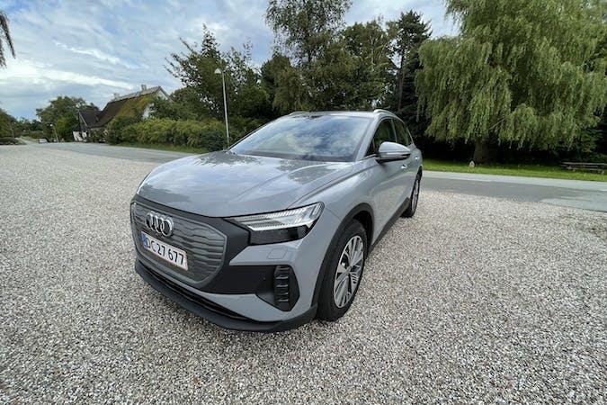 Billig billeje af Audi Q4 E-tron med GPS nær 2900 Hellerup.