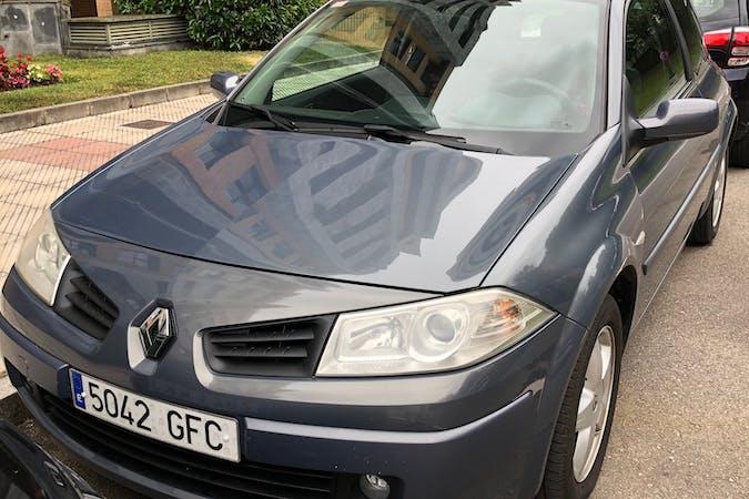 Alquiler barato de Renault Megane cerca de  Oviedo.