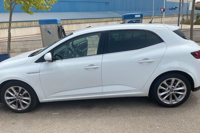 Alquiler barato de Renault Megane Coupe cerca de 46100 Burjassot.