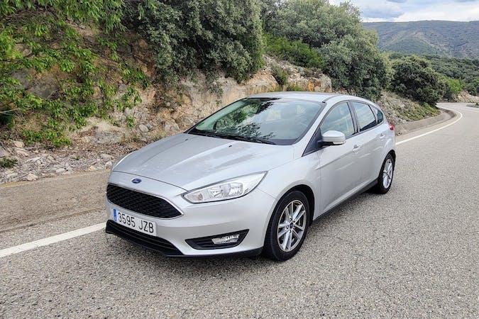 Alquiler barato de Ford Focus cerca de 08013 Barcelona.