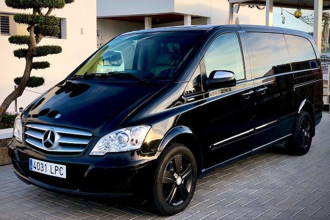 Alquiler barato de Mercedes Viano con equipamiento GPS cerca de 07849 .