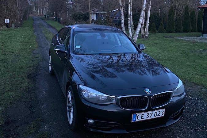 Billig billeje af BMW 3 Series med GPS nær 2300 København.