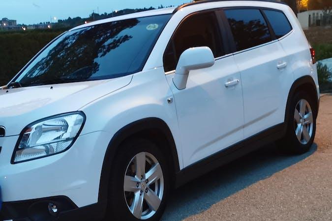 Alquiler barato de Chevrolet Orlando con equipamiento GPS cerca de 23470 Cazorla.