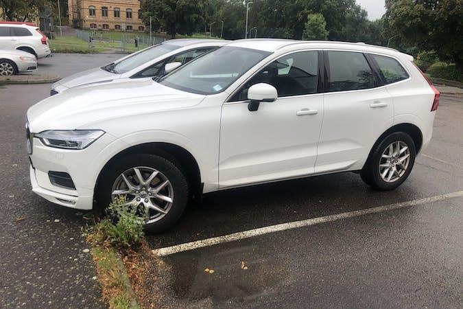 Billig biluthyrning av Volvo XC60 med GPS i närheten av  Lunden.