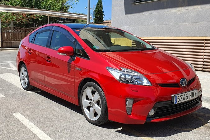 Alquiler barato de Toyota Prius cerca de 08917 Badalona.