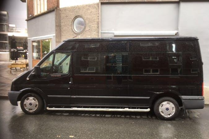 Billig billeje af Ford Transit nær 2200 København.