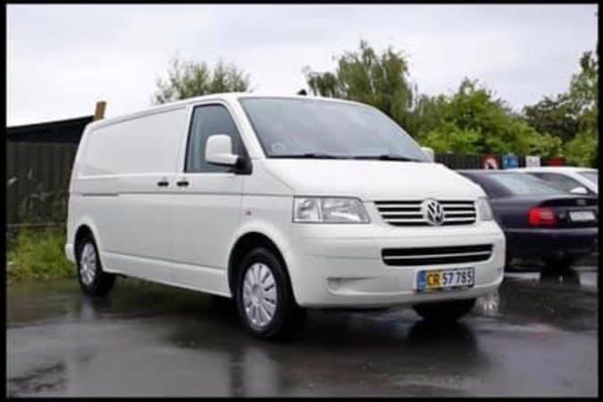 Billig billeje af Volkswagen Transporter nær 2200 København.