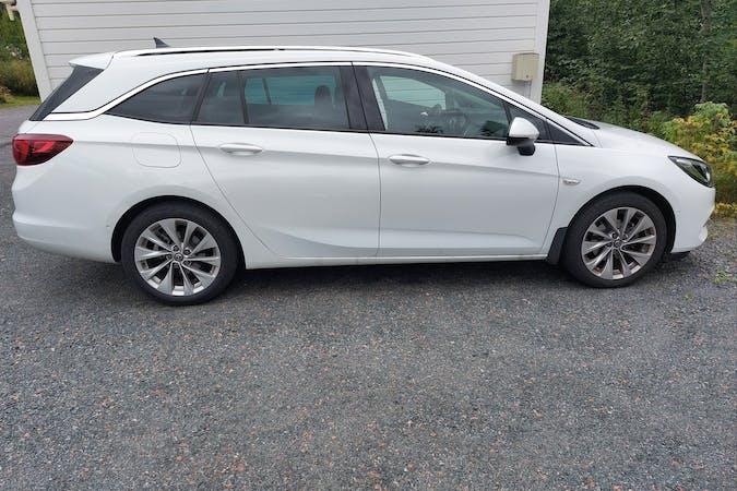Opel Astran halpa vuokraus GPSn kanssa lähellä 40270 Jyväskylä.