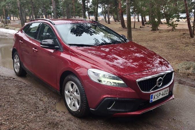 Volvo V40 Cross Countryn halpa vuokraus Bluetoothn kanssa lähellä 00910 Helsinki.