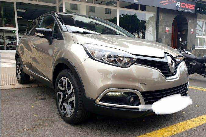 Alquiler barato de Renault Captur con equipamiento GPS cerca de 35600 Puerto del Rosario.