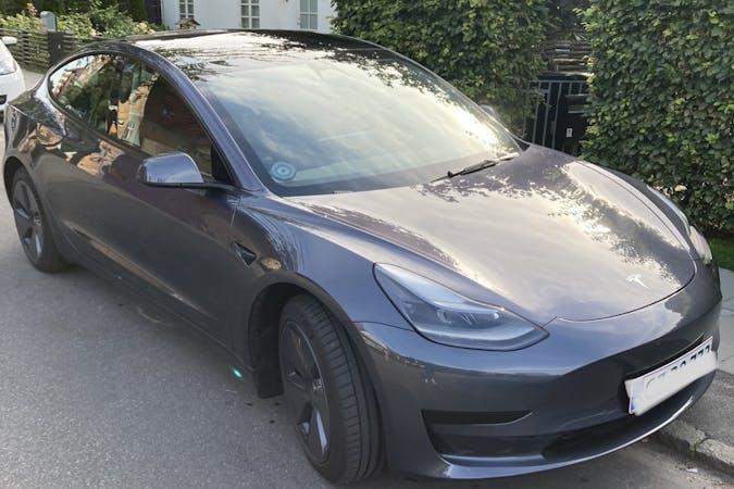 Billig billeje af Tesla Model 3 med GPS nær 2860 Søborg.