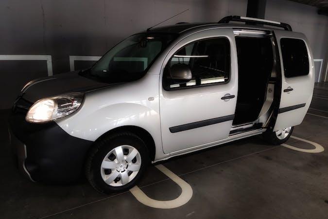 Alquiler barato de Renault Kangoo cerca de 07800 Eivissa.