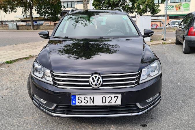 Billig biluthyrning av Volkswagen Passat med Isofix i närheten av 124 64 Enskede-Årsta-Vantör.