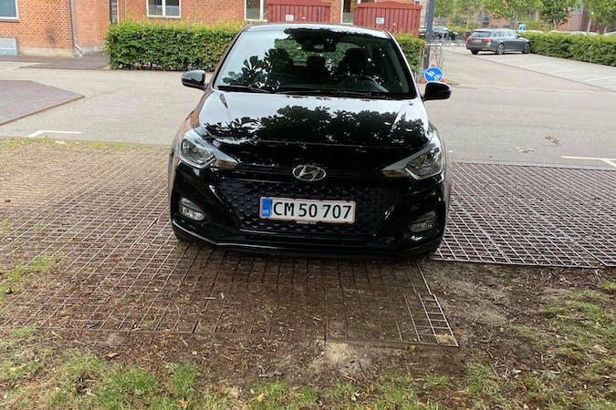 Billig billeje af Hyundai i20 med Bluetooth nær 2500 København.