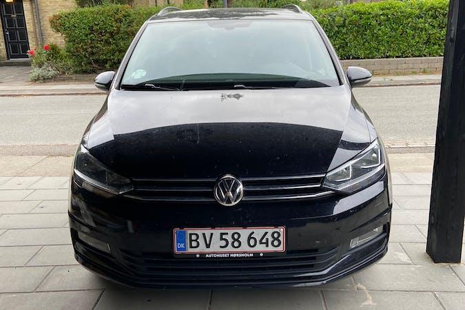 Billig billeje af Volkswagen Touran nær 2300 København.