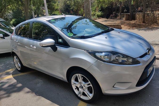 Alquiler barato de Ford Fiesta cerca de 08041 Barcelona.