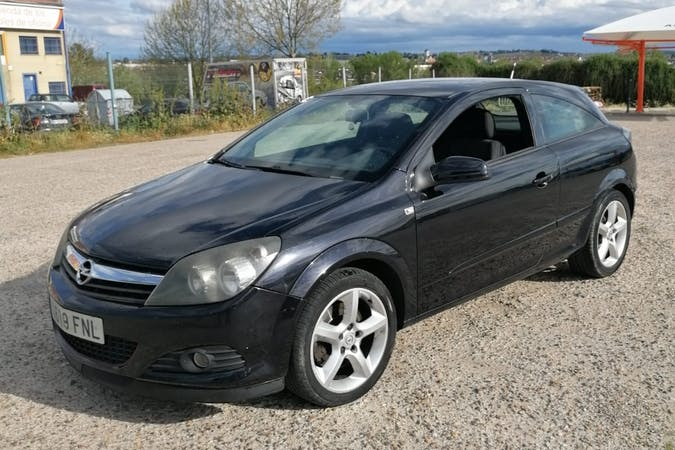 Alquiler barato de Opel Astra cerca de 37003 Salamanca.