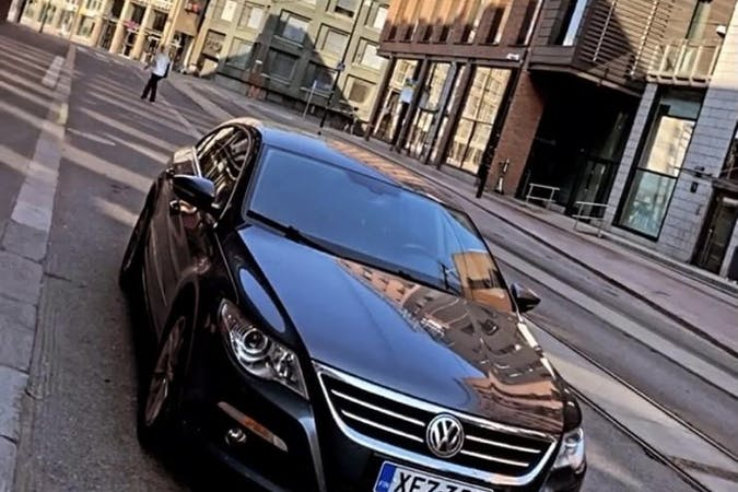 Volkswagen Passat CCn halpa vuokraus Vetokoukkun kanssa lähellä 00240 Helsinki.