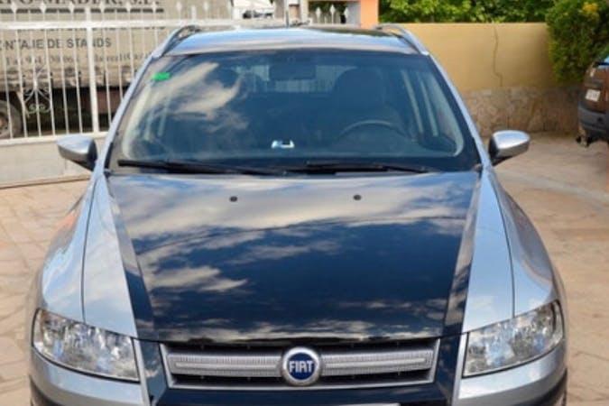 Alquiler barato de Fiat Stilo con equipamiento GPS cerca de 08908 L'Hospitalet de Llobregat.
