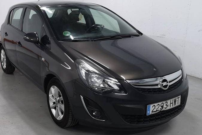 Alquiler barato de Opel Corsa con equipamiento Fijaciones Isofix cerca de 08004 Barcelona.
