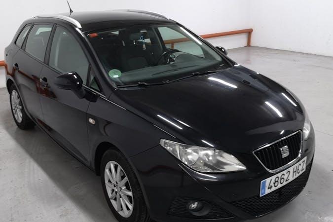 Alquiler barato de Seat Ibiza ST con equipamiento Fijaciones Isofix cerca de 08004 Barcelona.