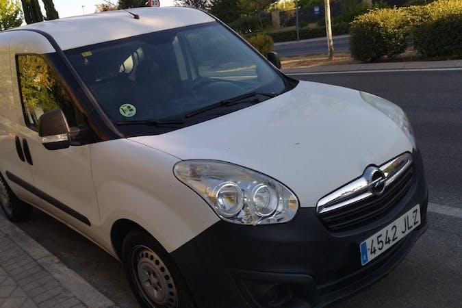 Alquiler barato de Opel Combo cerca de 28521 Rivas-Vaciamadrid.