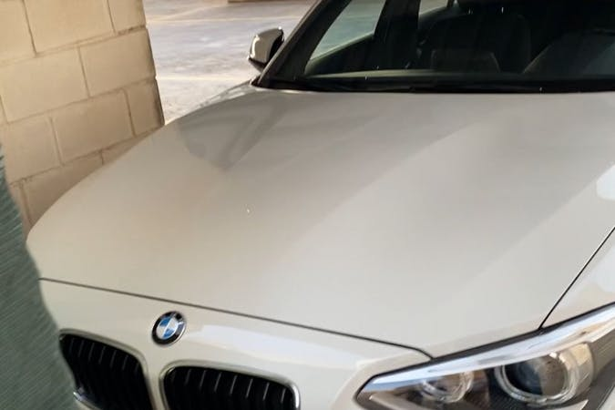 Alquiler barato de BMW 1 Series cerca de 28032 Madrid.