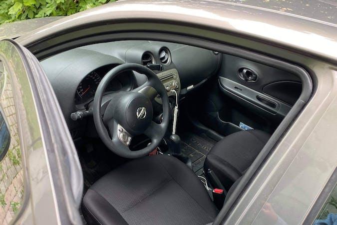 Billig biluthyrning av Nissan Micra i närheten av 125 40 Enskede-Årsta-Vantör.