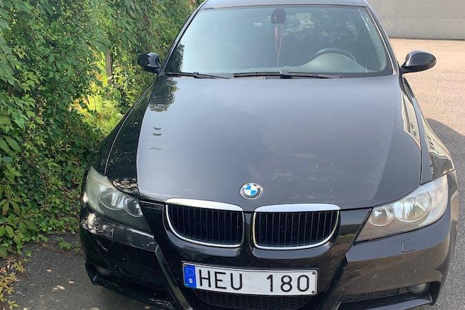 Billig biluthyrning av BMW 3 Series med Isofix i närheten av 417 49 Tuve.