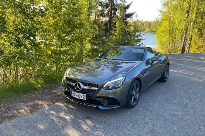 Mercedes SLKn halpa vuokraus GPSn kanssa lähellä 00210 Helsinki.
