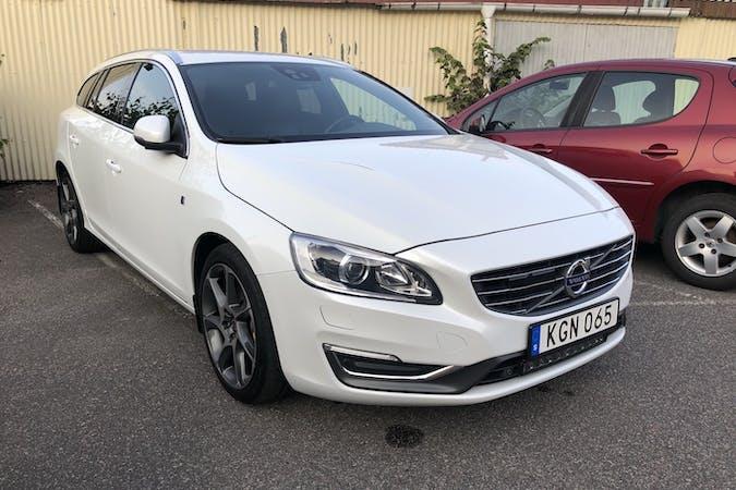 Billig biluthyrning av Volvo V60 med GPS i närheten av  Vasastaden.